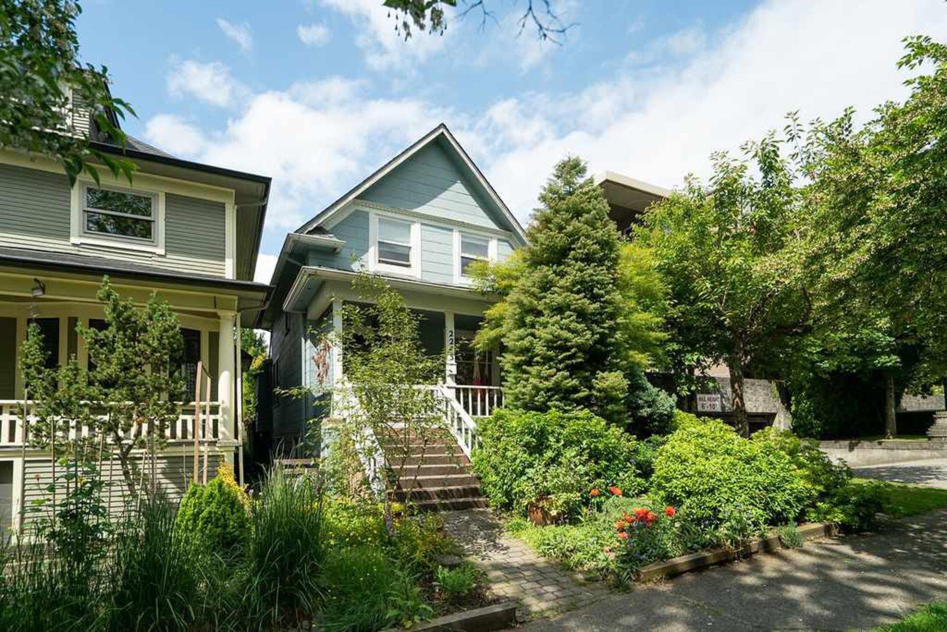 2243 Oxford Street, Hastings, Vancouver East
