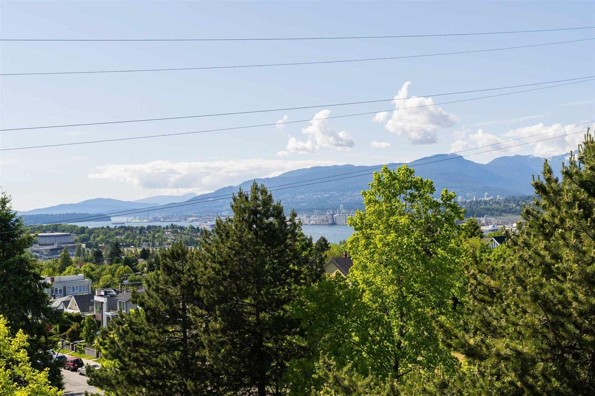 602 - 3740 Albert Street, Vancouver Heights, Burnaby North