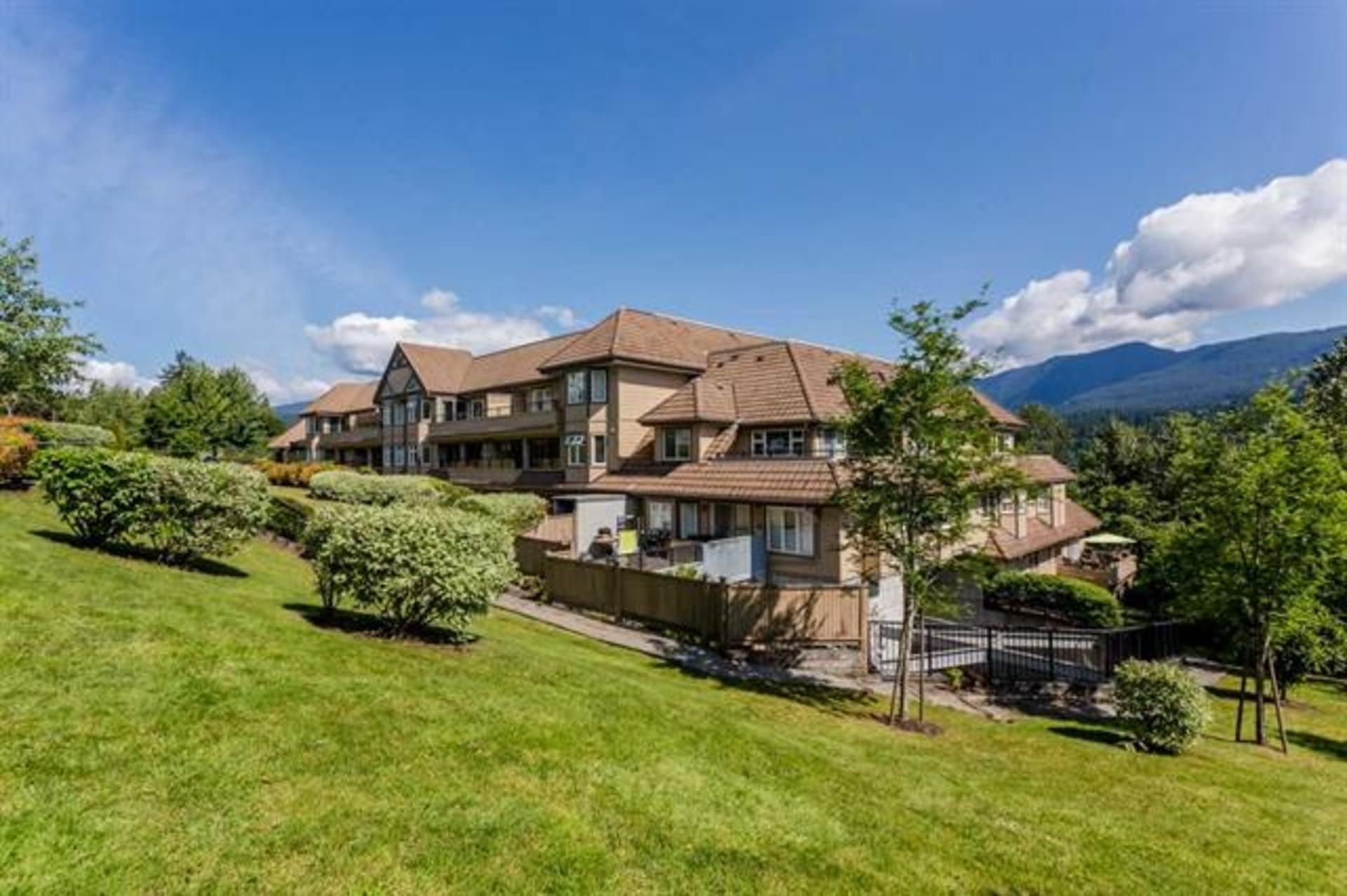 310 - 160 Shorline Circle, College Park PM, Port Moody