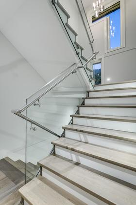 Glass Railings at 741 Winona Avenue, Forest Hills NV, North Vancouver