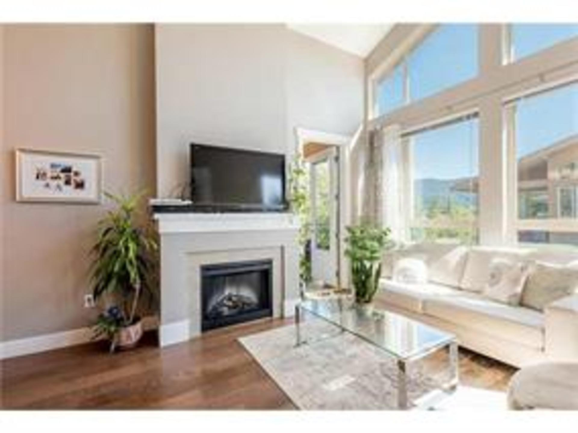 401 - 1111 East 27th Street, Lynn Valley, North Vancouver