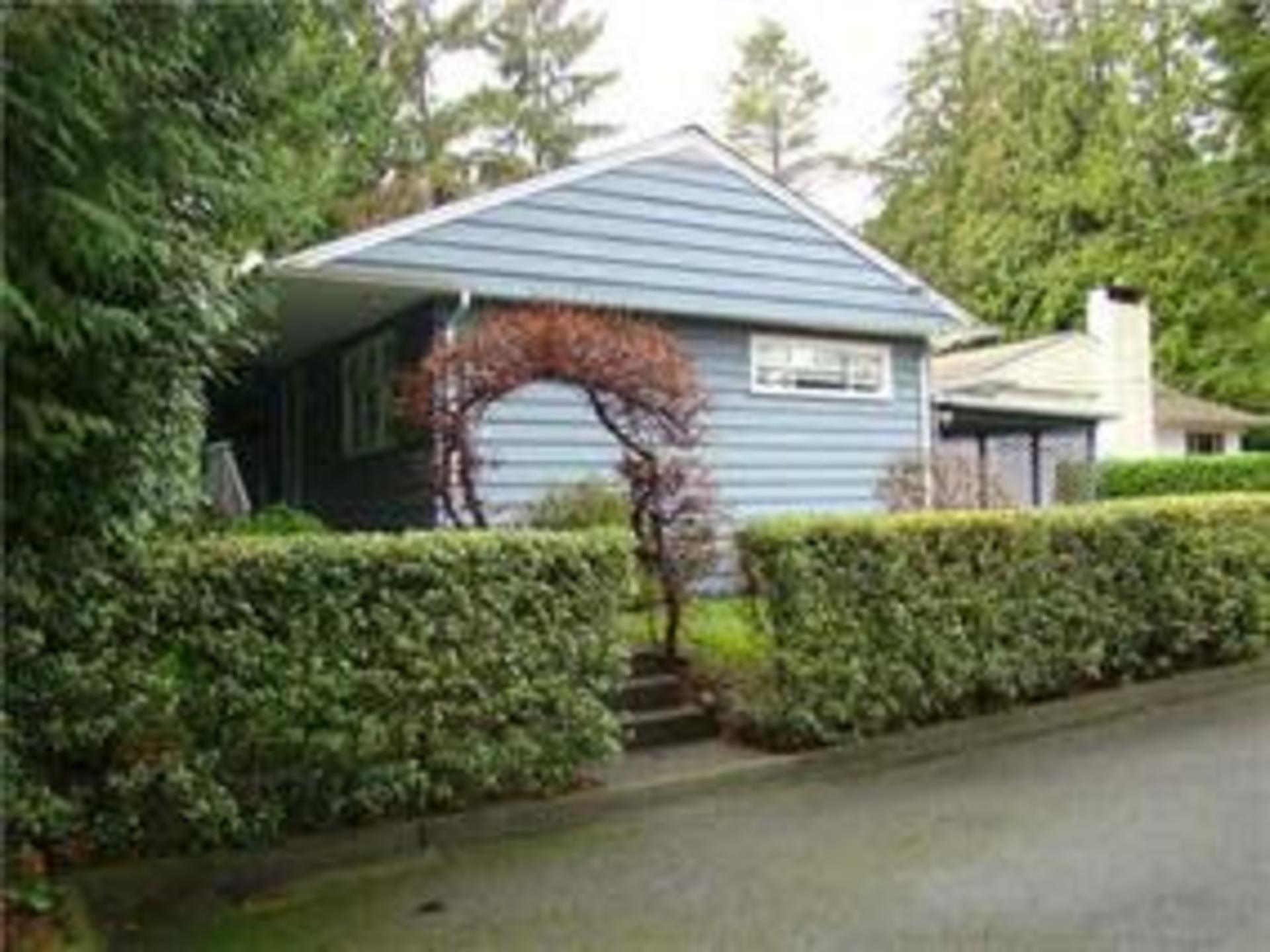 1050 Ridgewood Drive, Edgemont, North Vancouver