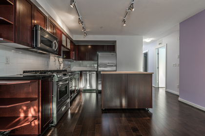 205-122-E-3RD-NorthVan-ColleenBurkePhotography-06s at 205 - 122 3rd Street, Lower Lonsdale, North Vancouver