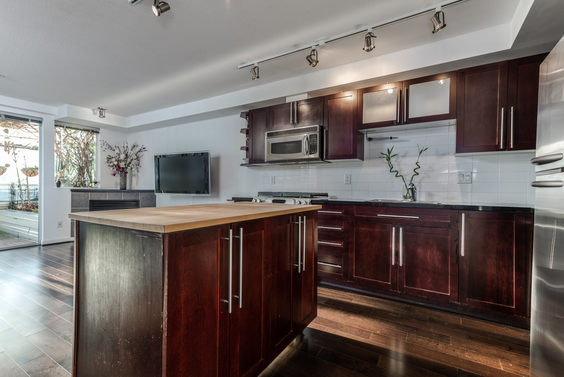 205 - 122 3rd Street, Lower Lonsdale, North Vancouver