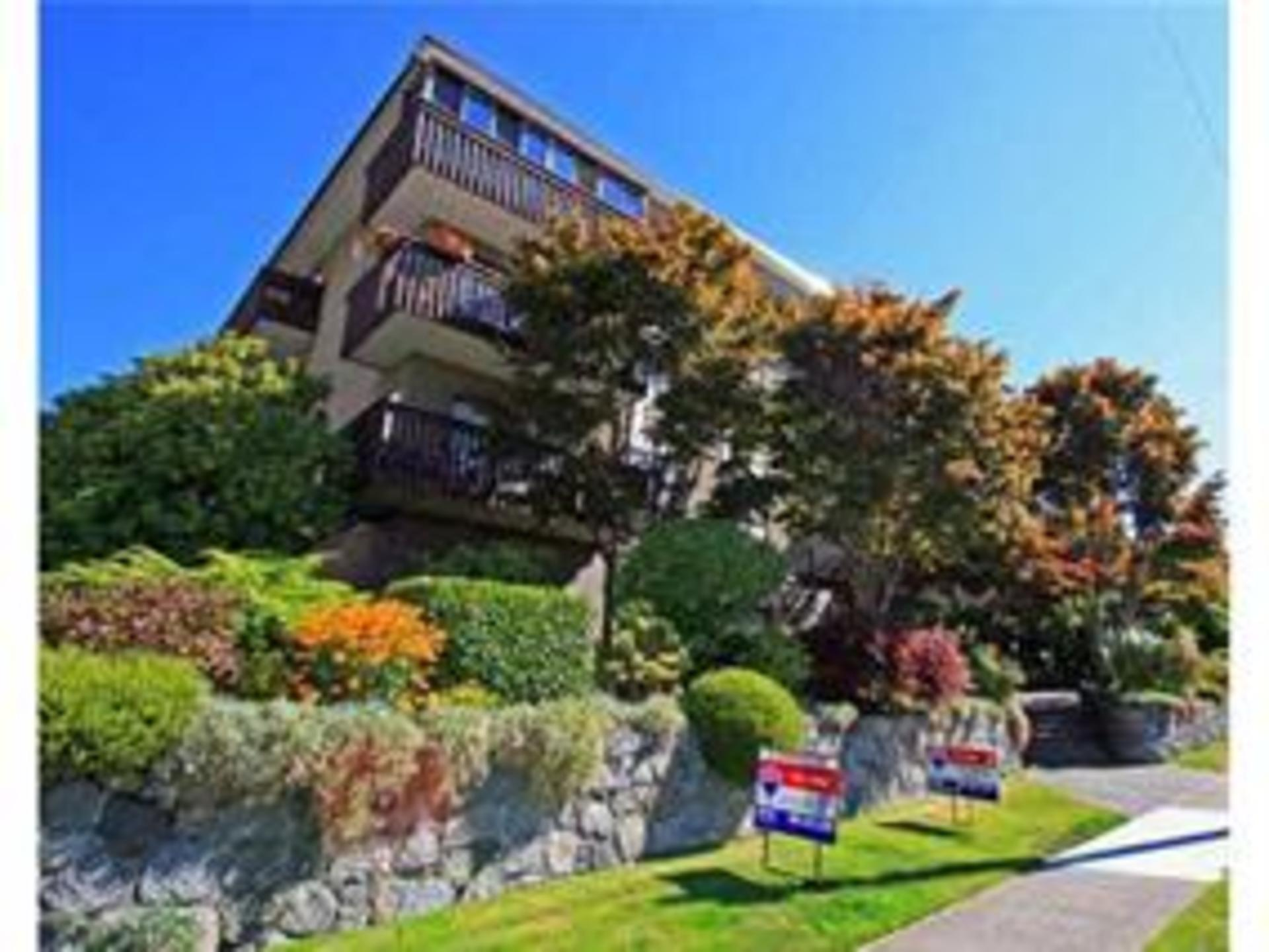 211 - 120 4th Street, Lower Lonsdale, North Vancouver