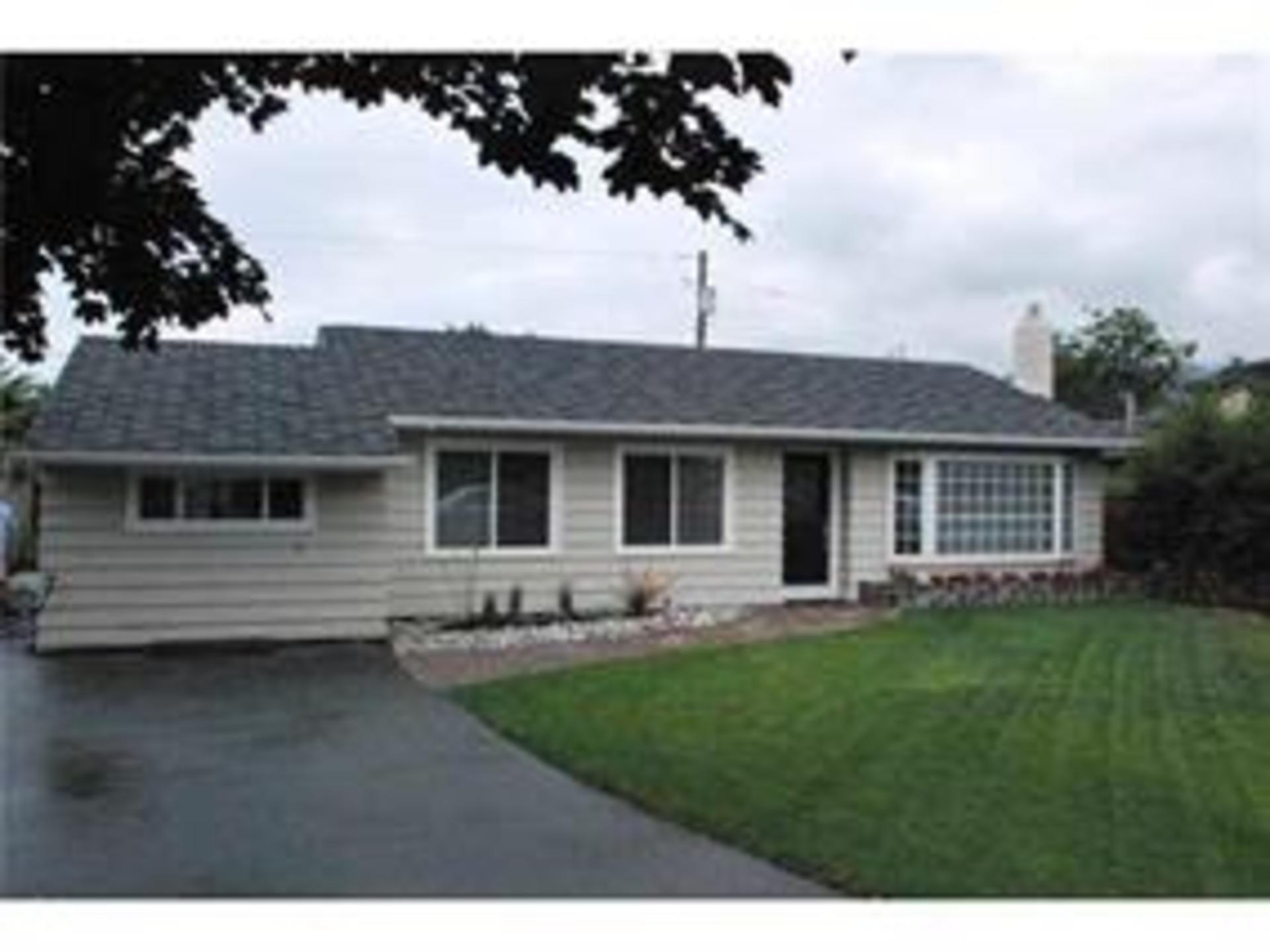 1317 Tatlow Avenue, Norgate, North Vancouver