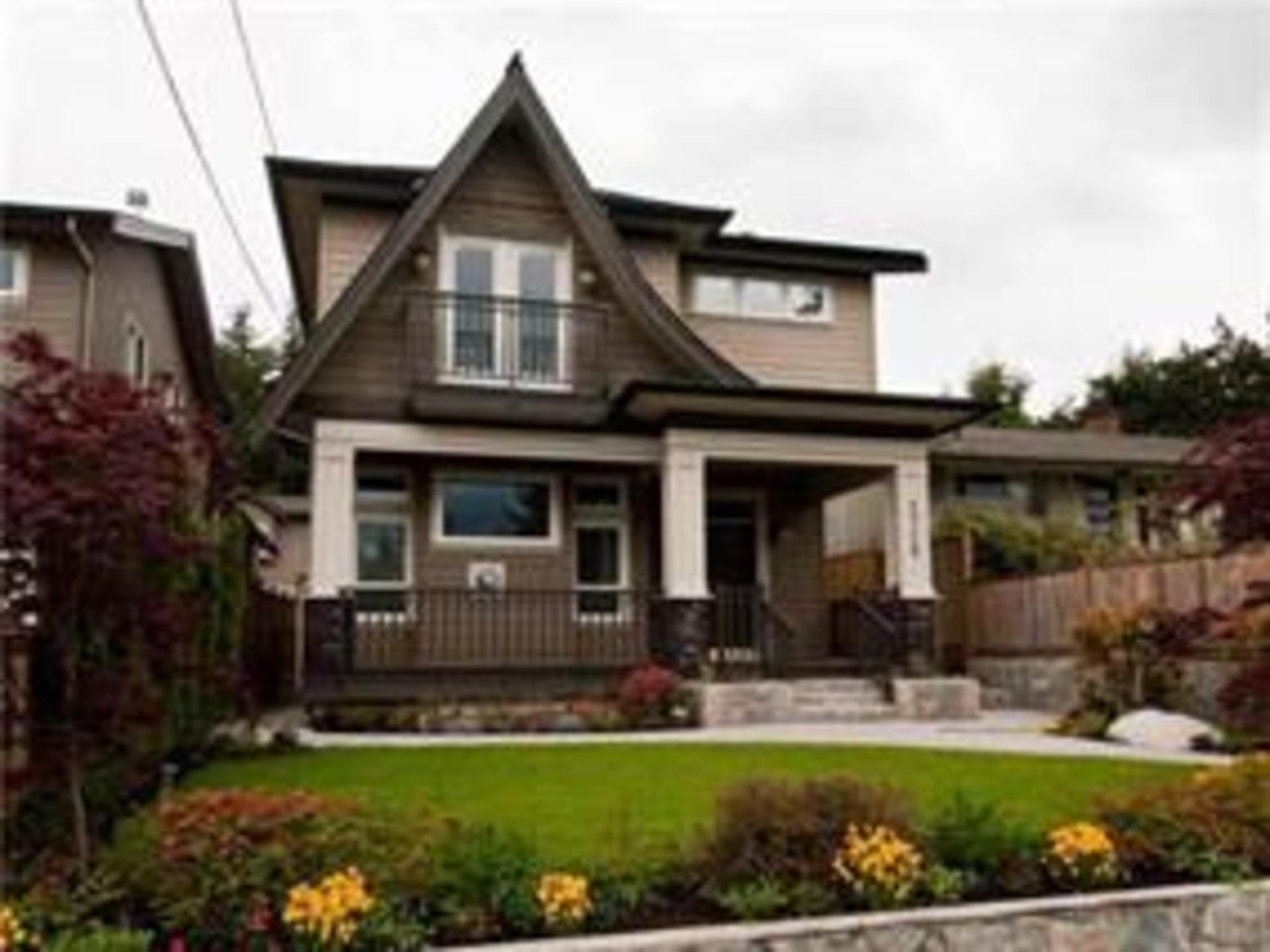 2728 Violet Street, Blueridge NV, North Vancouver