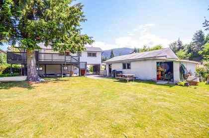 1211-parkwood-place-brackendale-squamish-12 at 1211 Parkwood Place, Brackendale, Squamish