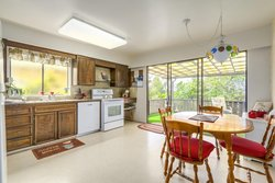 9-medium at 3559 Calder Avenue, Upper Lonsdale, North Vancouver