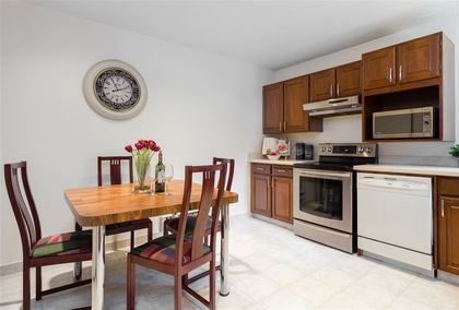 Kitchen with eating area at 7427 Echo Place, Champlain Heights, Vancouver East