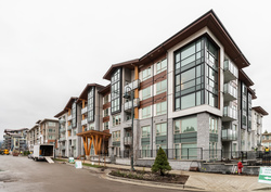 001 at 409 - 2632 Library Lane, Lynn Valley, North Vancouver