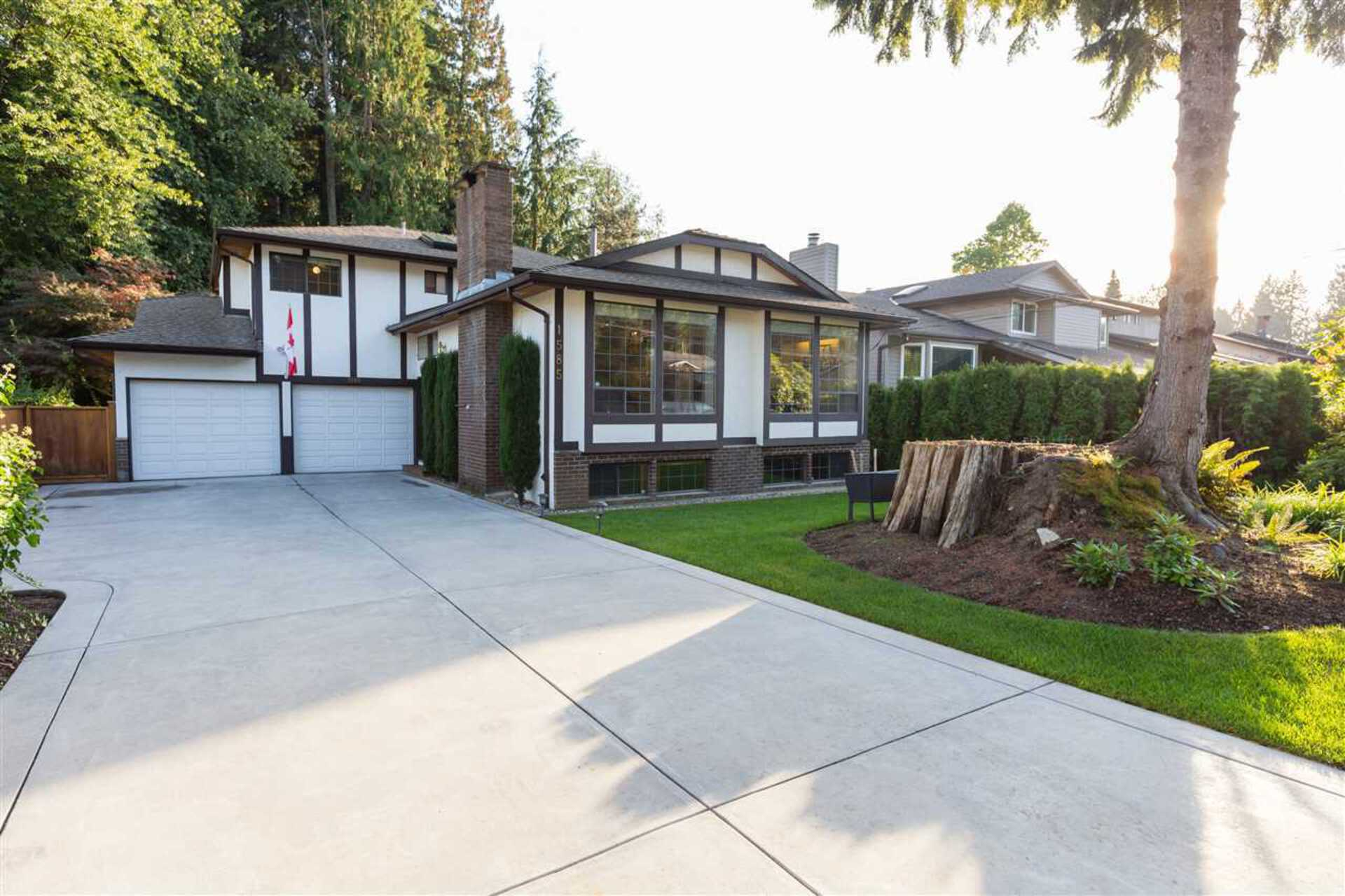 1585 Westover Road, Lynn Valley, North Vancouver