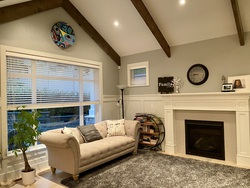 living-room at 1840 Appin Road, Westlynn, North Vancouver