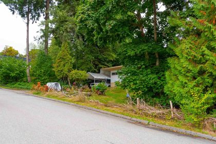 310-e-queens-road-upper-lonsdale-north-vancouver-30 at 310 E Queens Road, Upper Lonsdale, North Vancouver