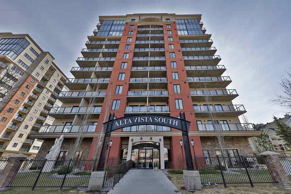 10303-111-street-downtown_edmo-edmonton-01 at 706 - 10303 111 Street, Downtown_EDMO, Edmonton