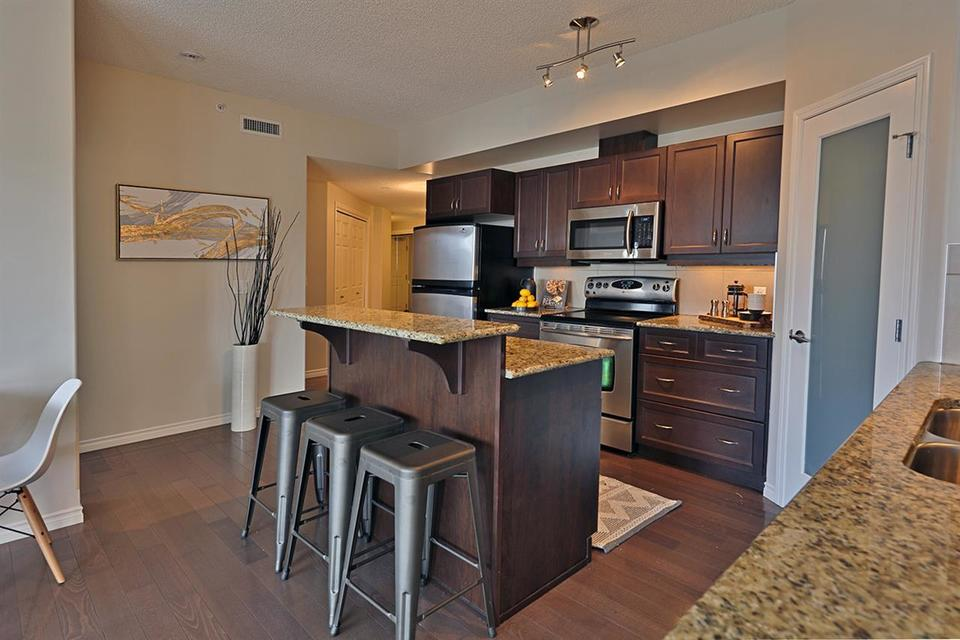10303-111-street-downtown_edmo-edmonton-03 at 706 - 10303 111 Street, Downtown_EDMO, Edmonton