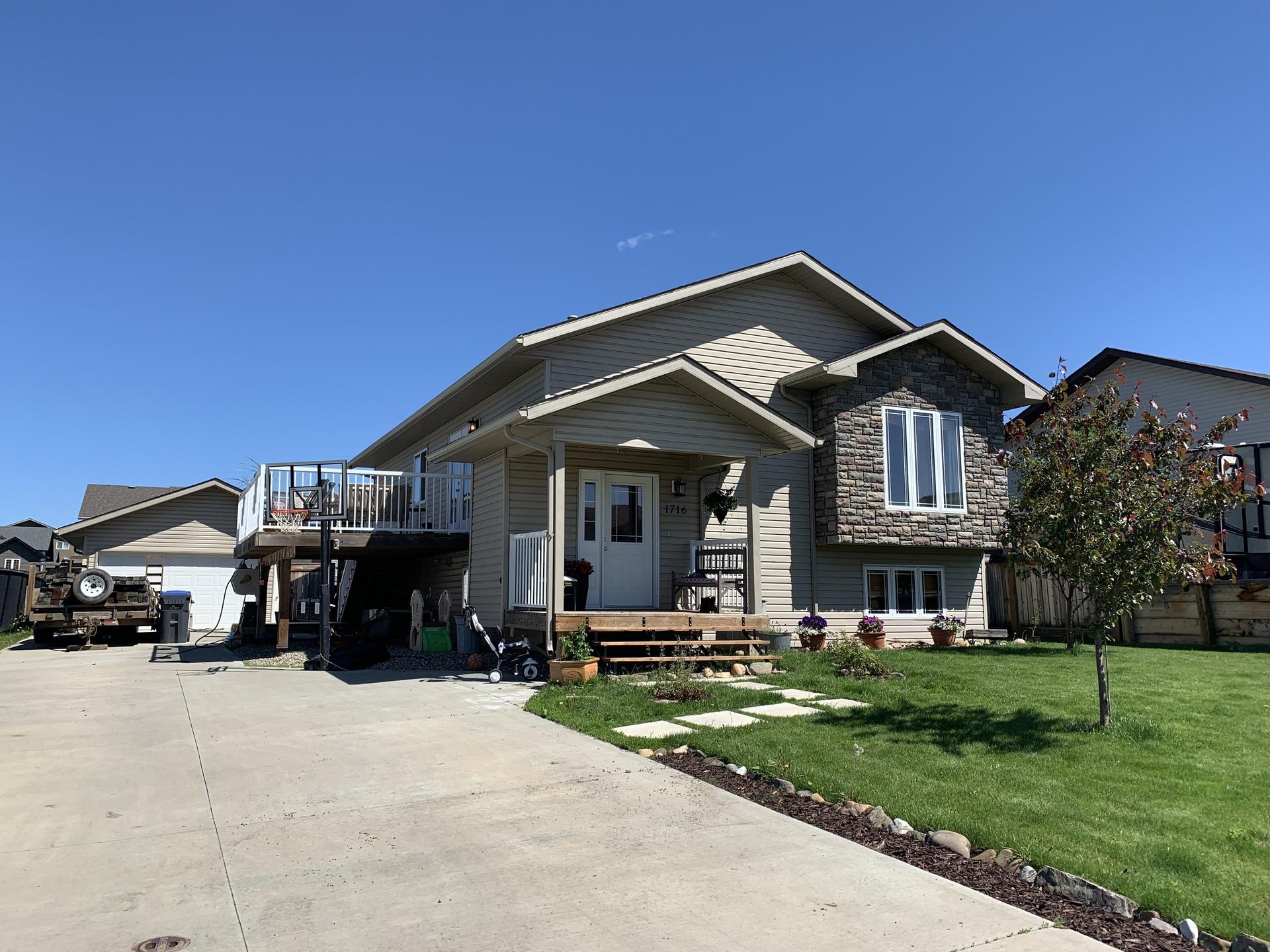 1716 87 Avenue, Dawson Creek