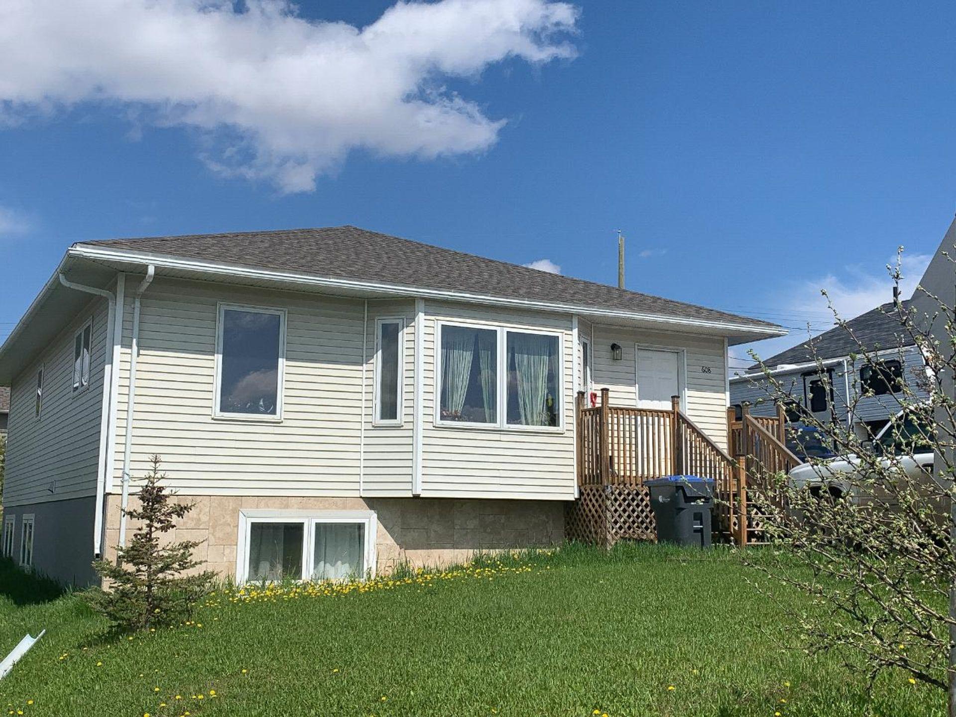 608 99 Avenue, Dawson Creek