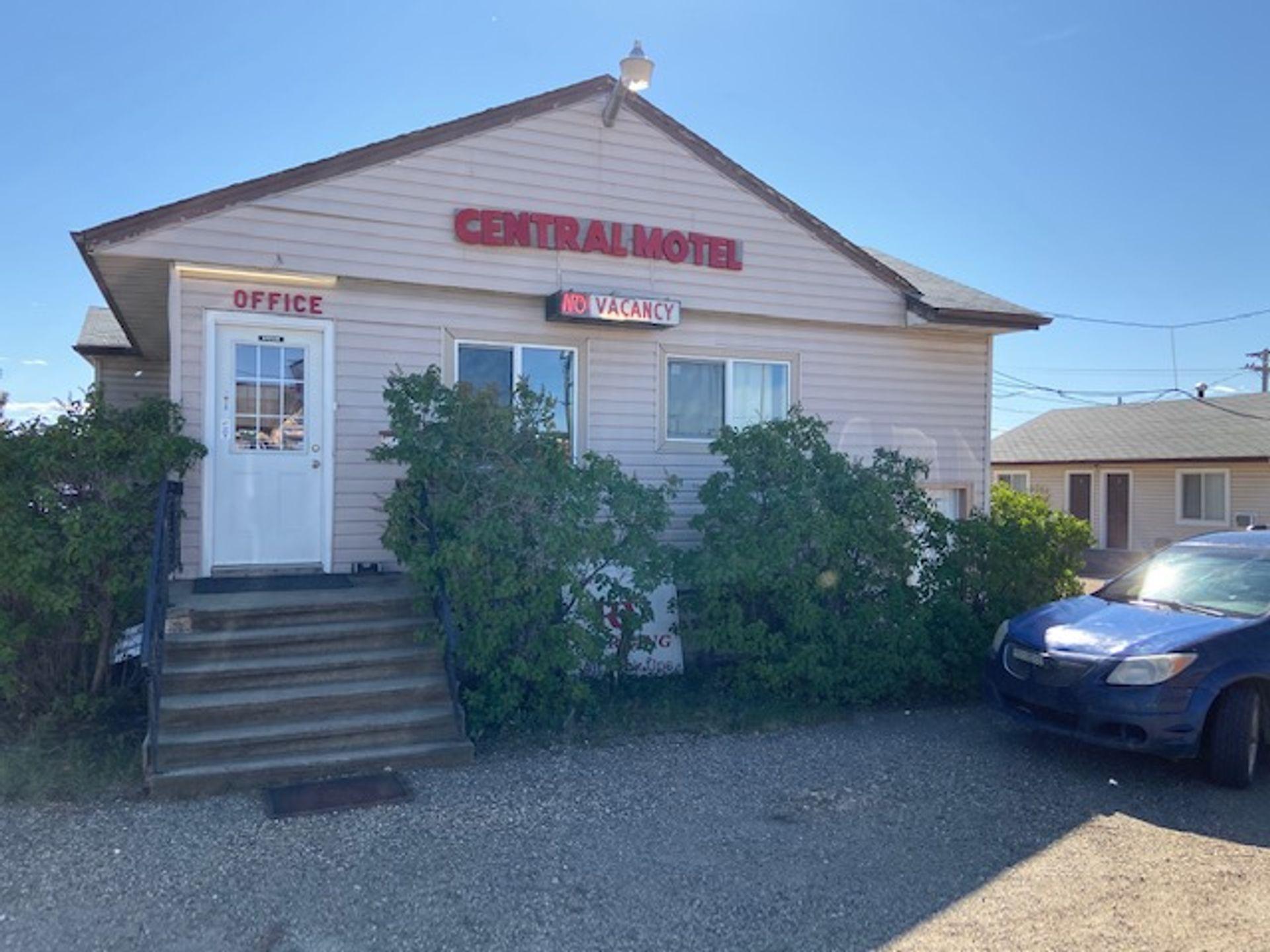 1301/1309 Alaska Avenue, Dawson Creek