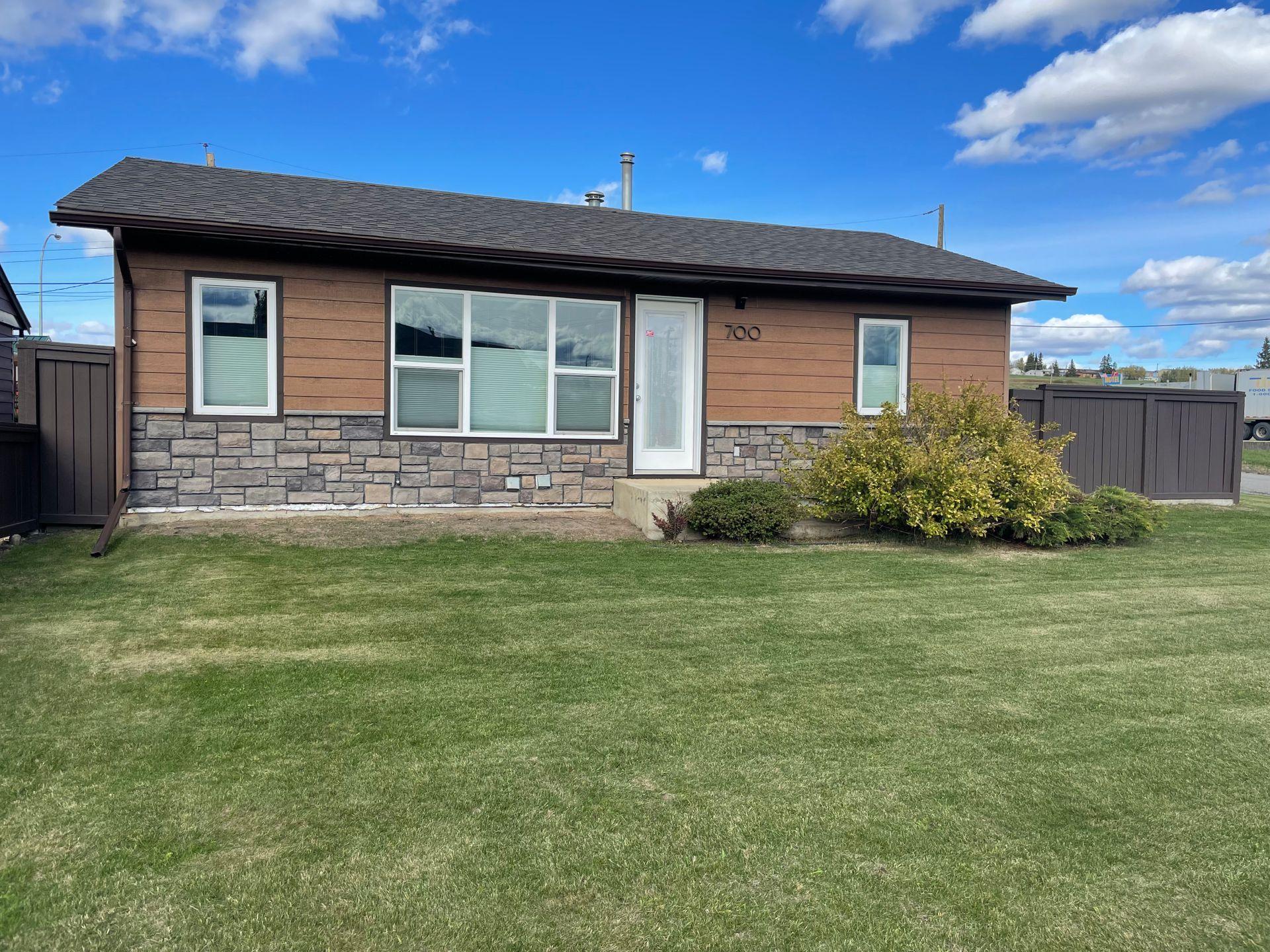 700 104 Avenue, Dawson Creek
