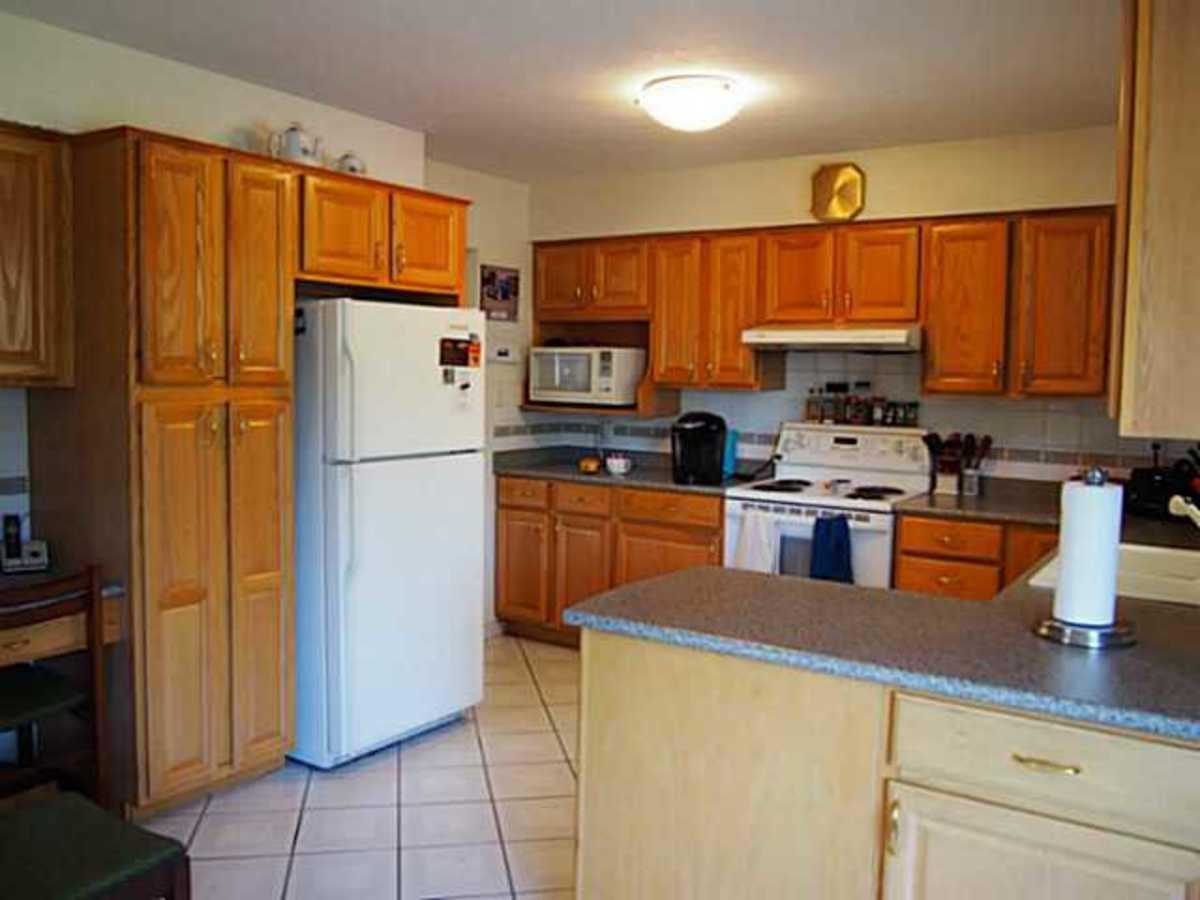 image-261821413-6.jpg at 7181 Golden Street, Montecito, Burnaby North