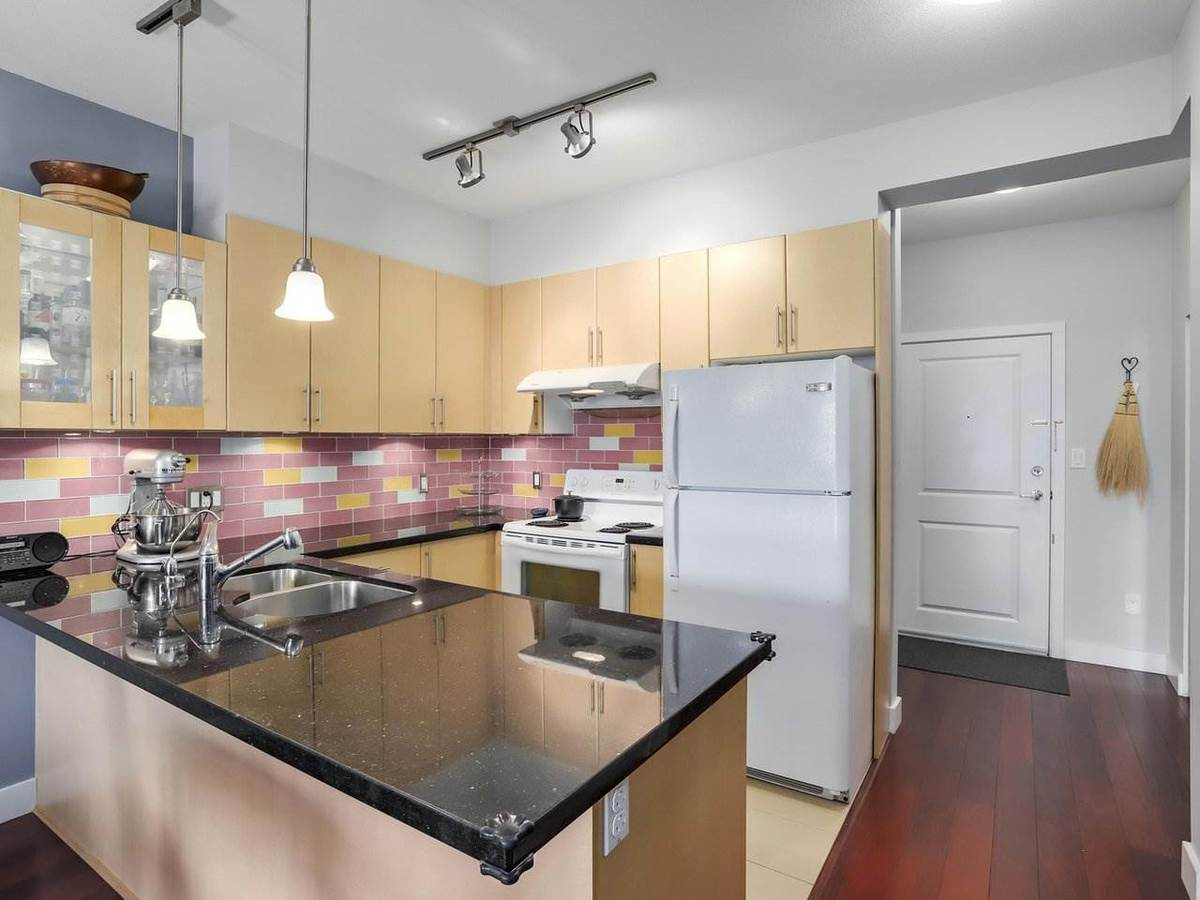 688-e-17th-avenue-fraser-ve-vancouver-east-06 at 207 - 688 E 17th Avenue, Fraser VE, Vancouver East