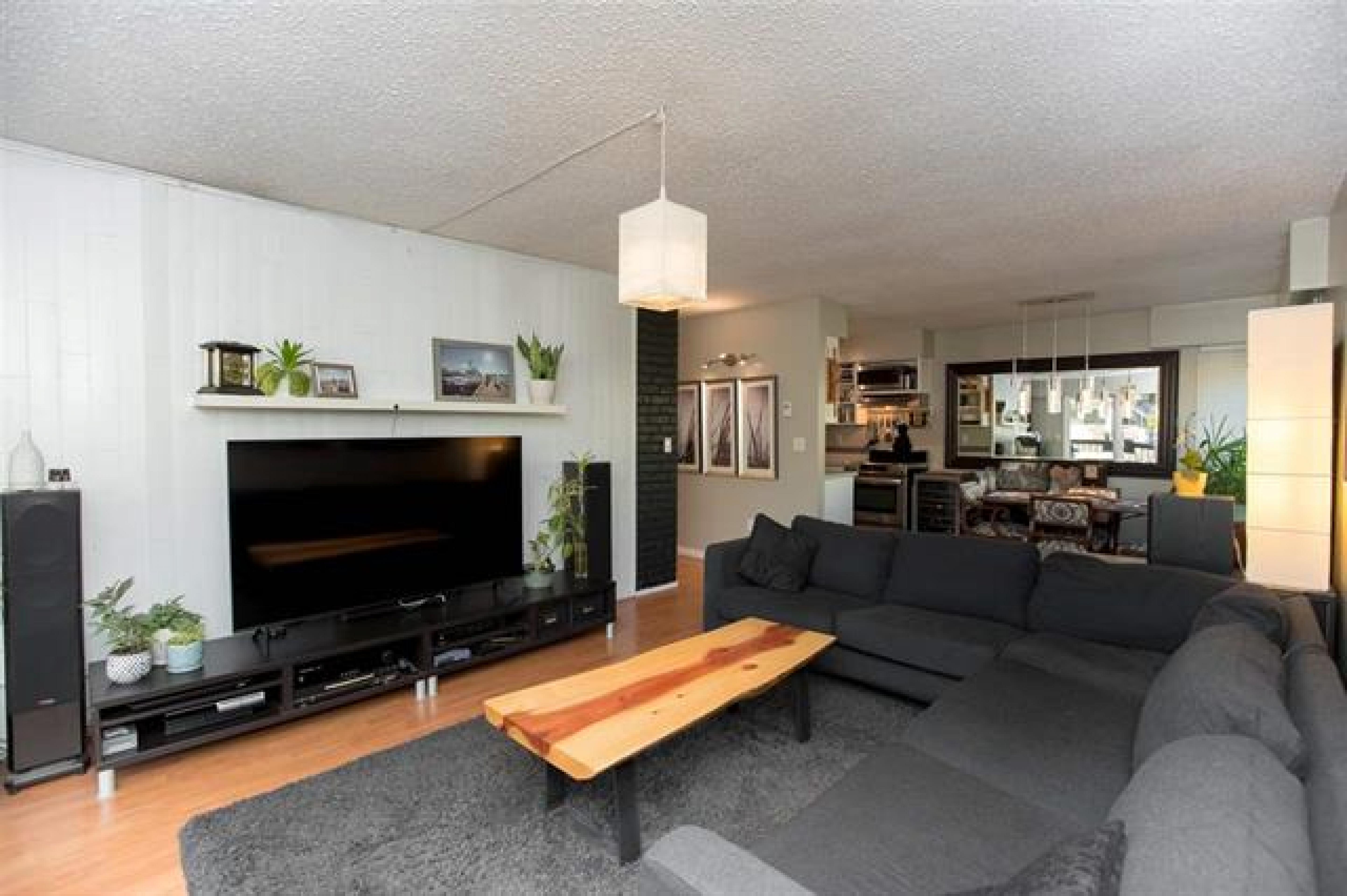 201 - 105 W Kings Road, Upper Lonsdale, North Vancouver
