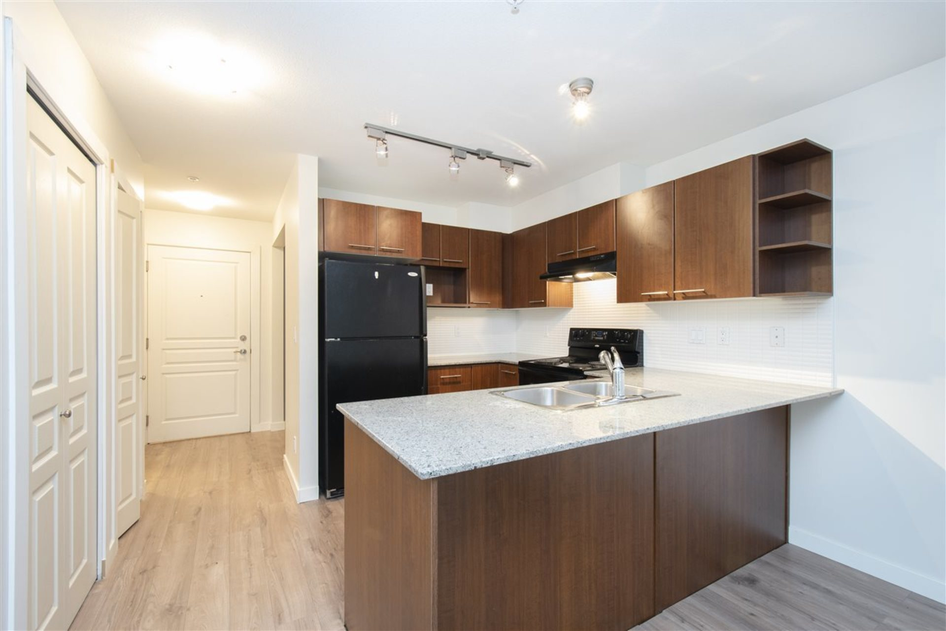 203 - 4833 Brentwood Drive, Brentwood Park, Burnaby North