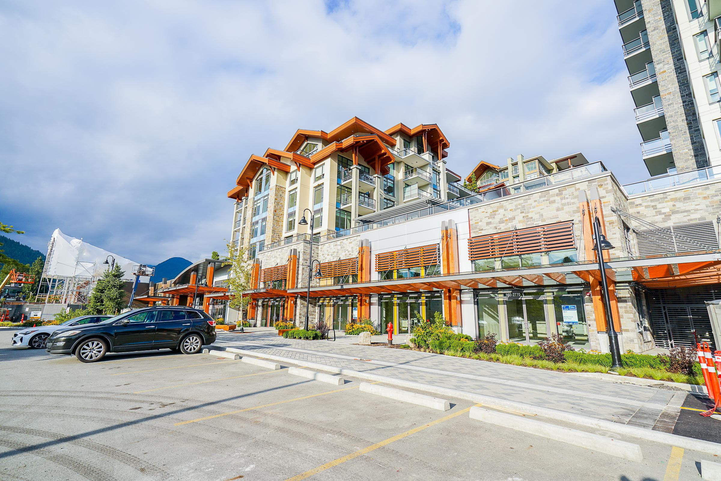 306 - 2780 Valley Centre Avenue, Lynn Valley, North Vancouver