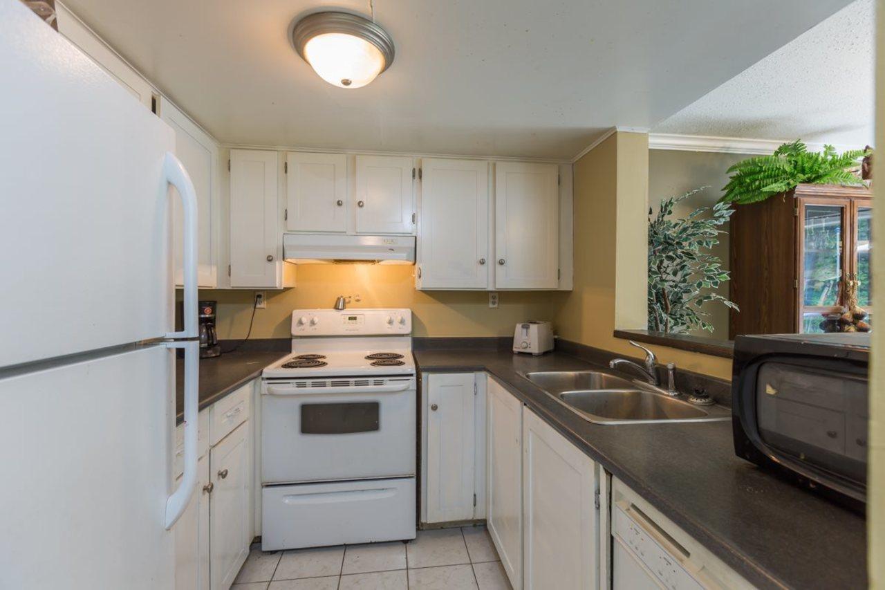 21550-cherrington-avenue-west-central-maple-ridge-02 of 23 - 21550 Cherrington Avenue, West Central, Maple Ridge