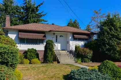 927-smith-avenue-coquitlam-west-coquitlam-01 of 927 Smith Avenue, Coquitlam West, Coquitlam