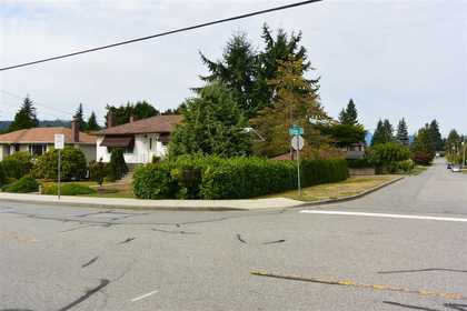 927-smith-avenue-coquitlam-west-coquitlam-03 of 927 Smith Avenue, Coquitlam West, Coquitlam