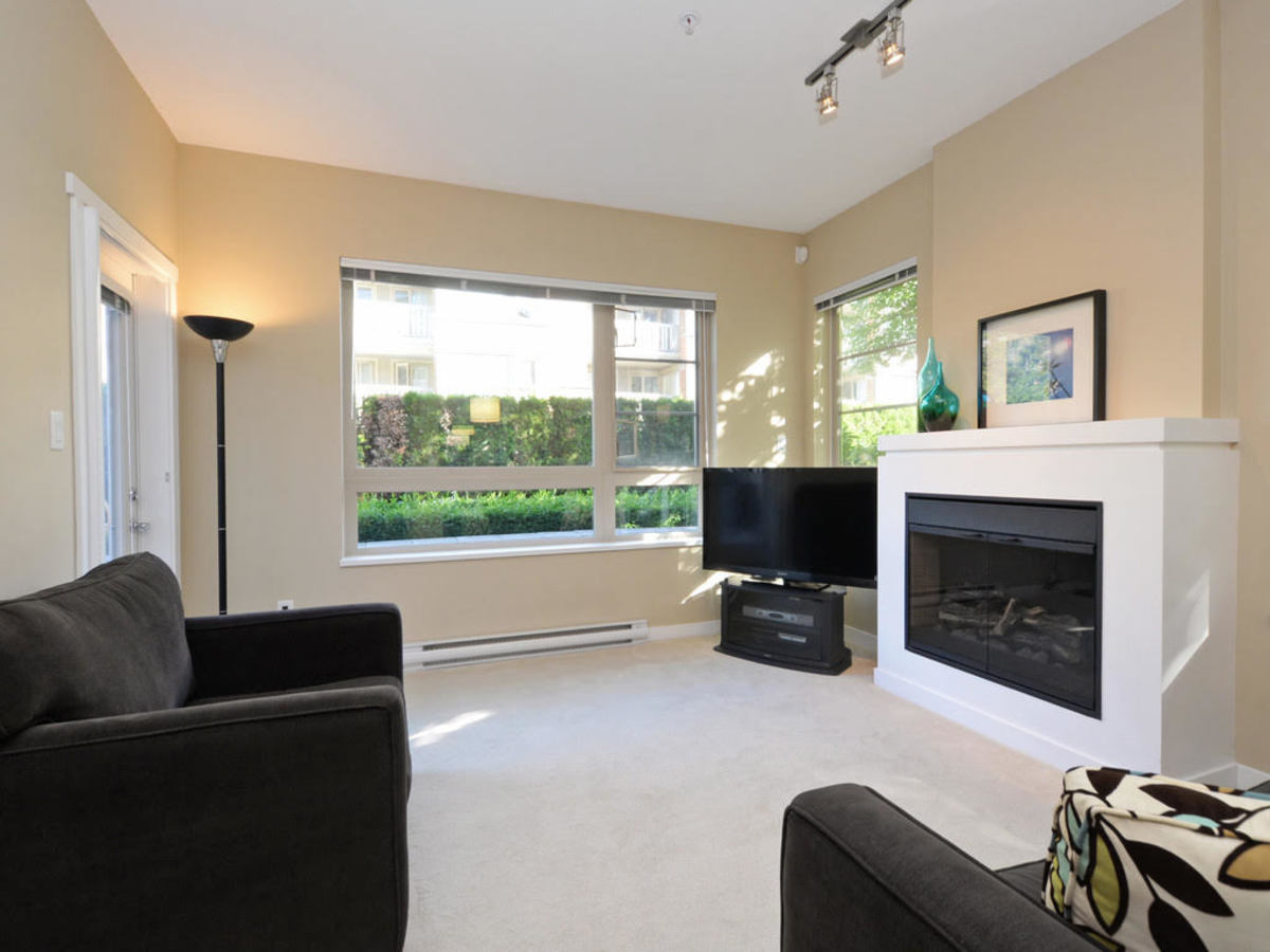 104 - 701 Klahanie Drive, Port Moody Centre, Port Moody