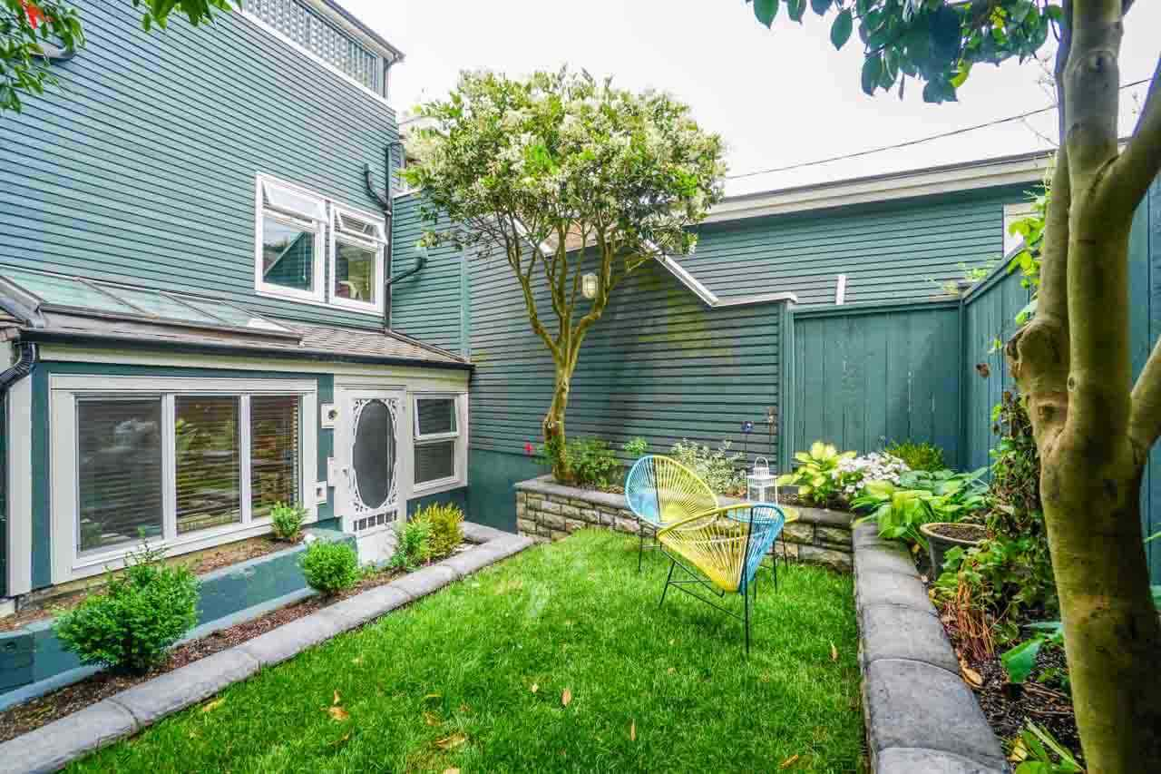 image of 1 - 2682 W 8th Avenue, Kitsilano, Vancouver West