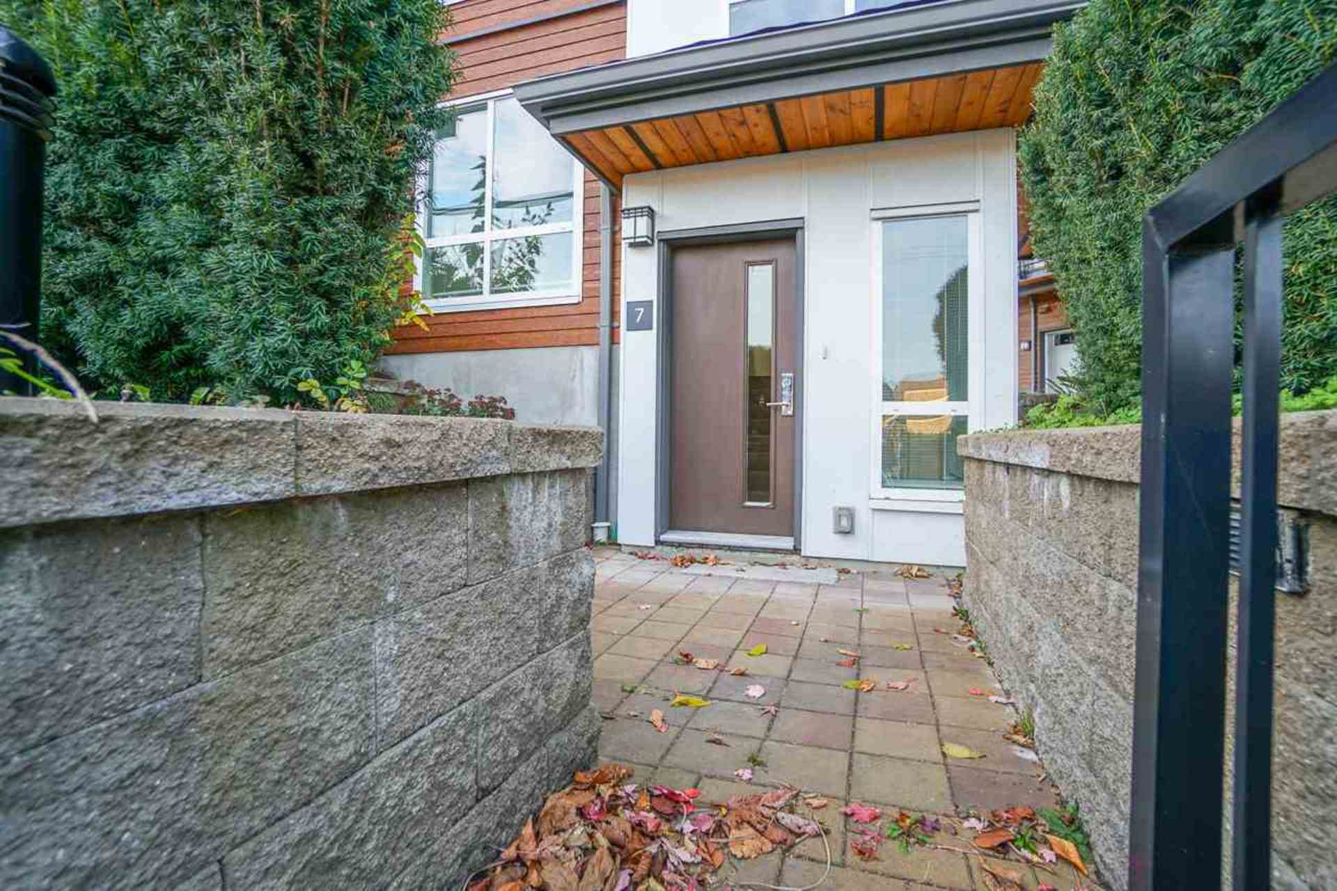 image of 7 - 909 Clarke Road, College Park PM, Port Moody
