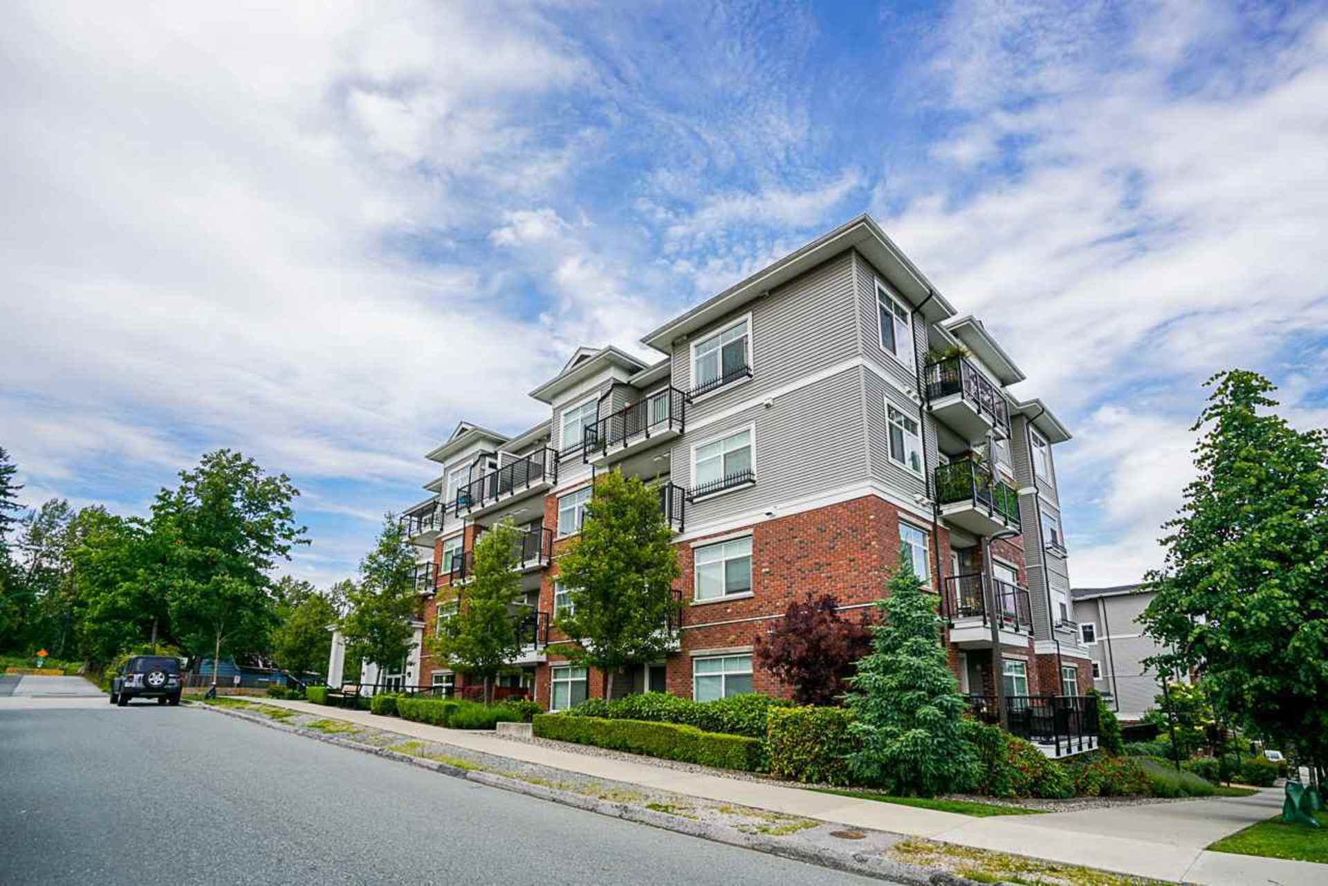 203 - 6480 195a Street, Clayton, Cloverdale