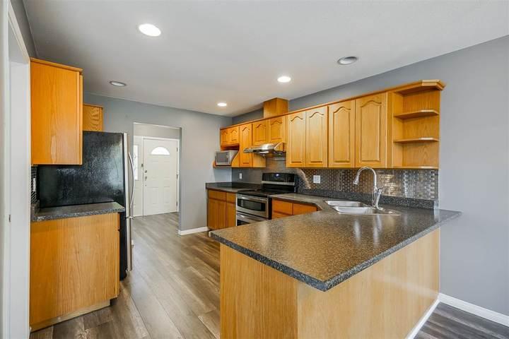 22110-122-avenue-west-central-maple-ridge-08 of 22110 122 Avenue, West Central, Maple Ridge