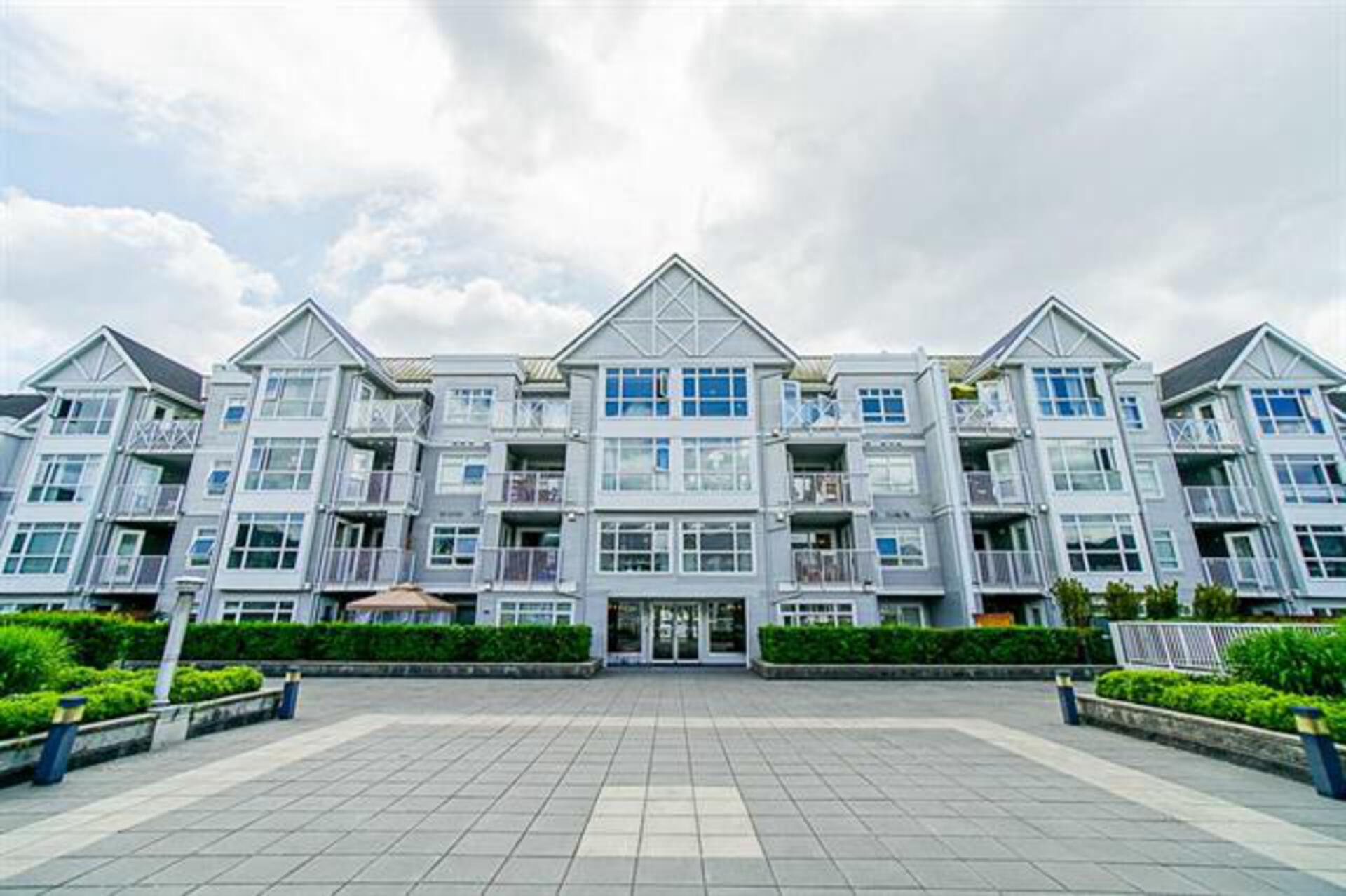 262491412-27 of 310 - 3142 St Johns Street, Port Moody Centre, Port Moody