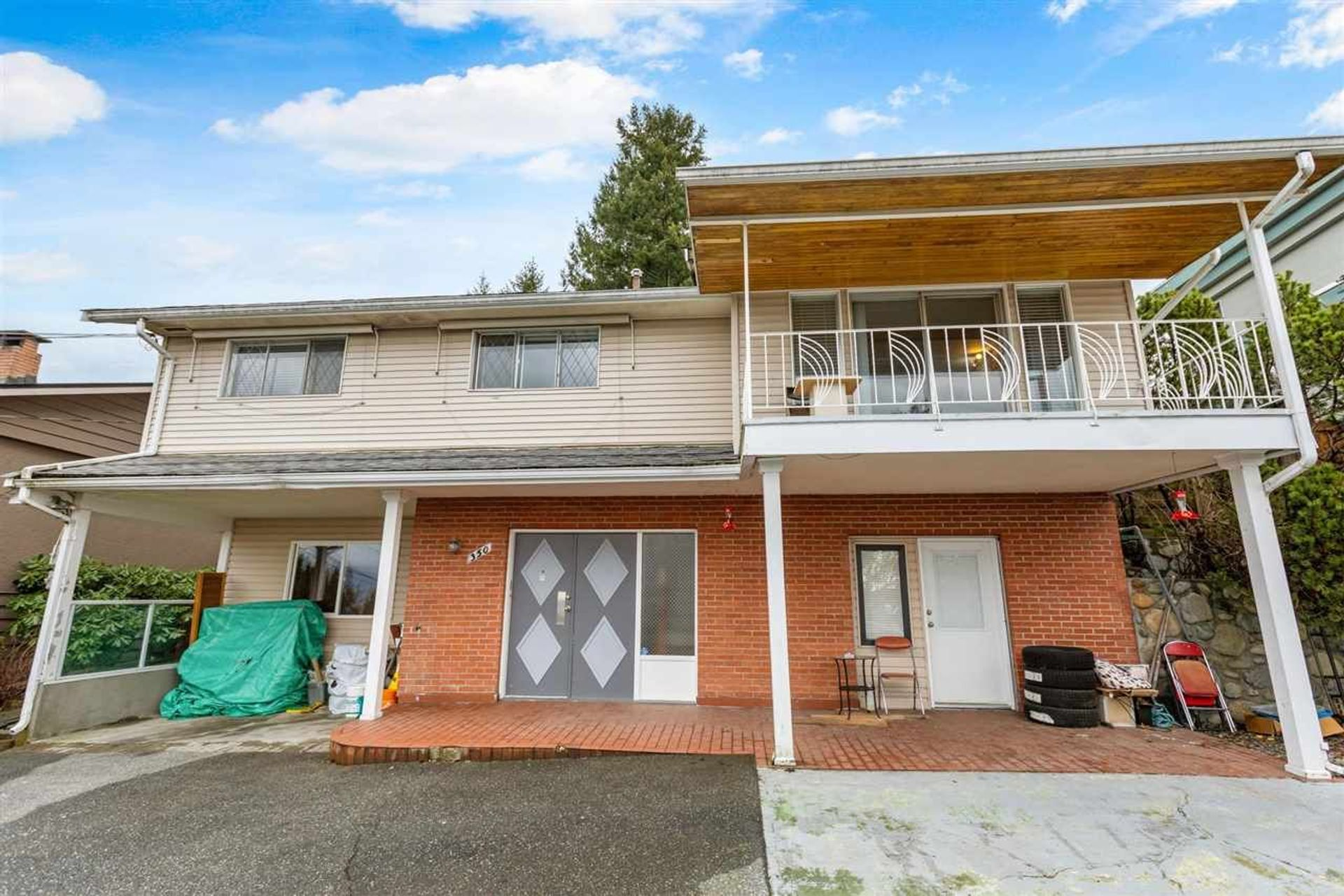 image of 350 N Hythe Avenue, Capitol Hill BN, Burnaby North