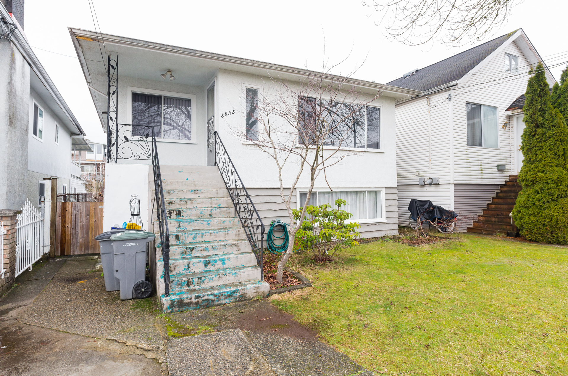 01 at 3235 Waverley Avenue, Killarney VE, Vancouver East