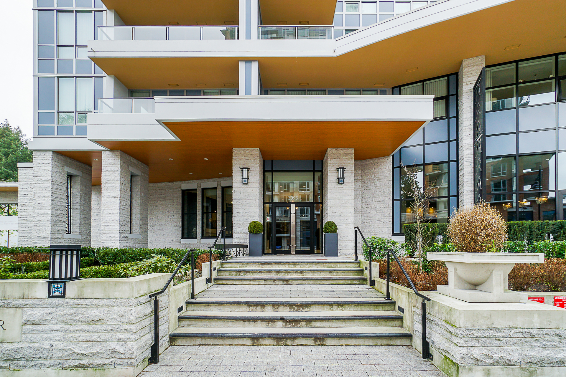 unit-2705-3093-windsor-gate-coquitlam-5 at 2705 - 3093 Windsor Gate, New Horizons, Coquitlam