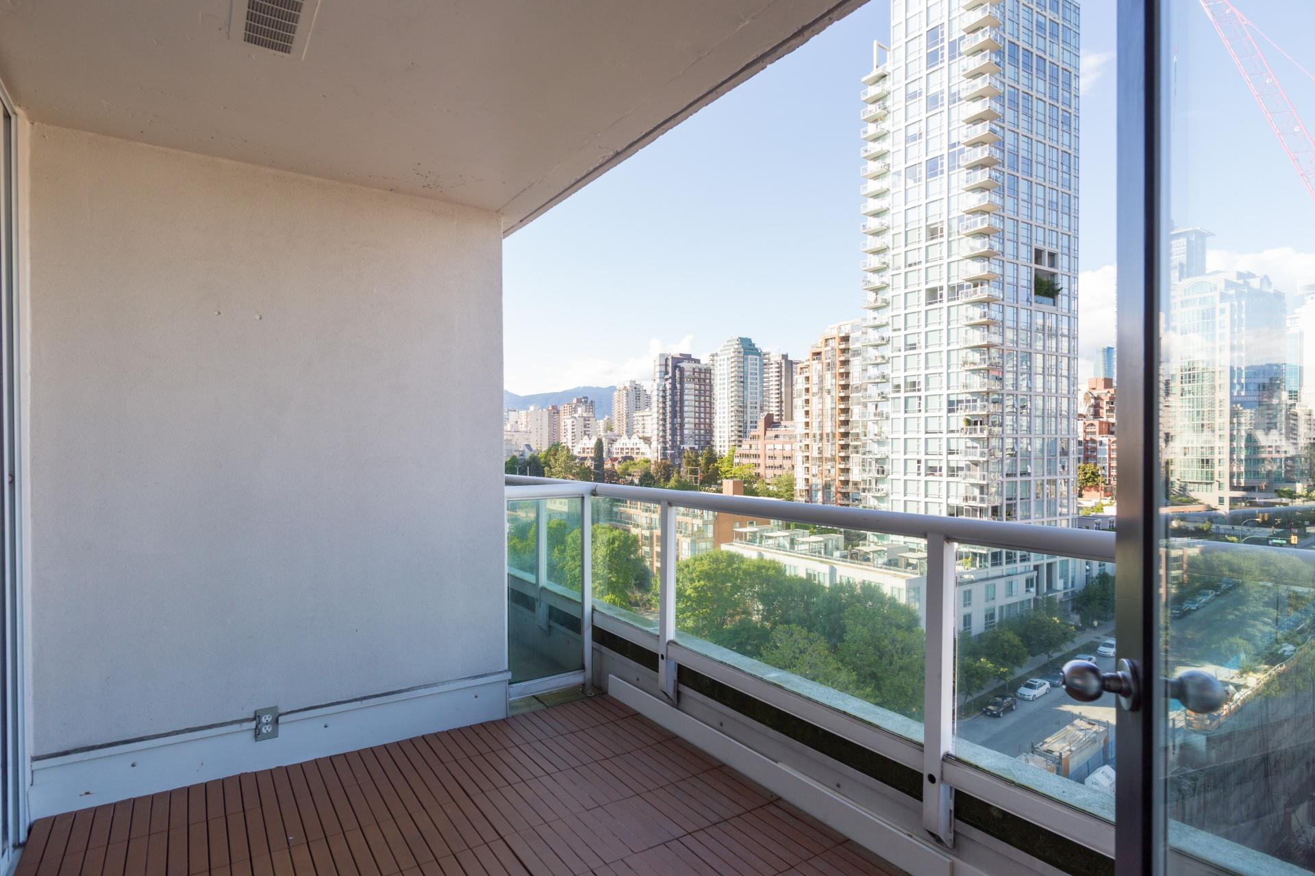 14 at #1410 - 1500 Howe Street, Yaletown, Vancouver West