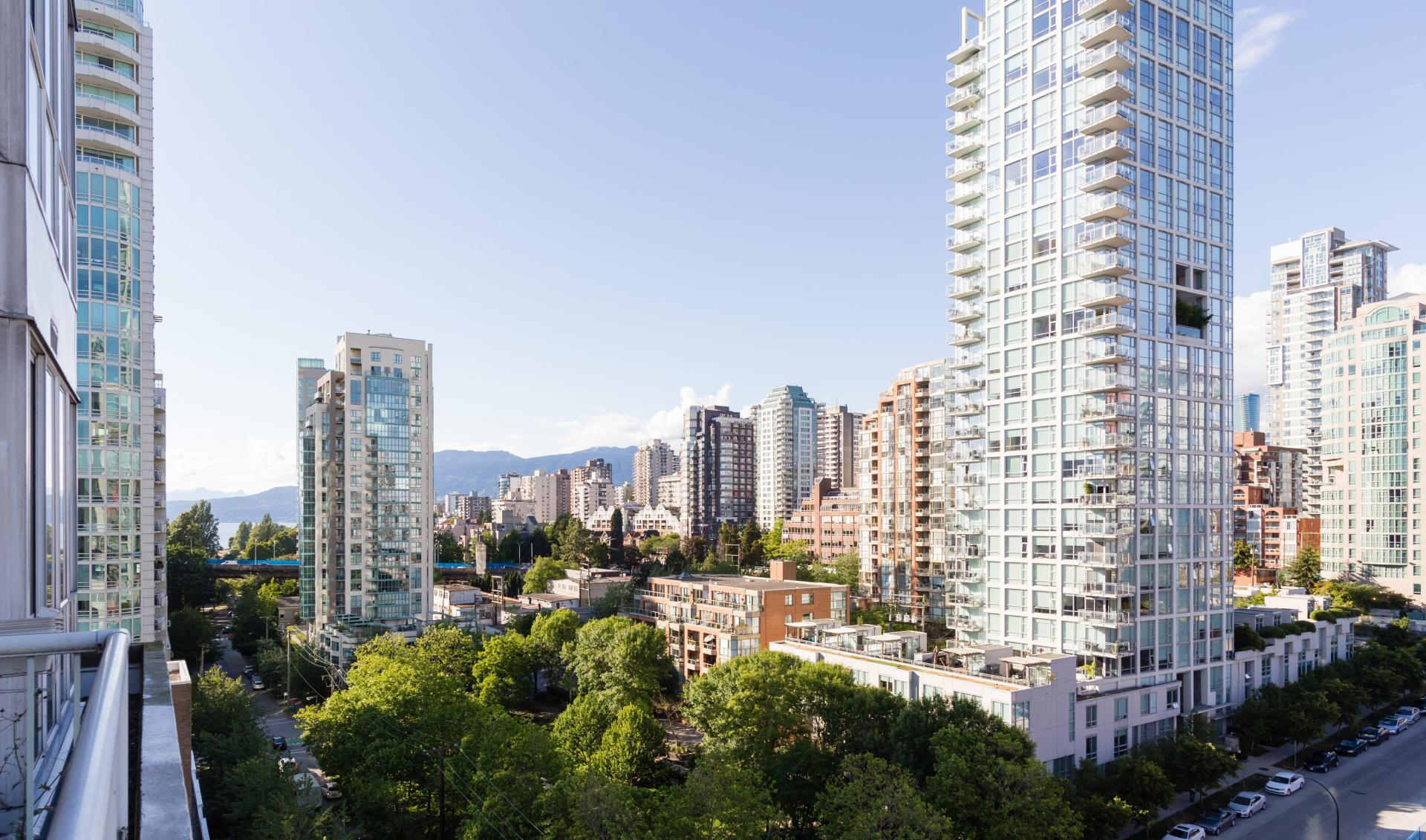 16 at #1410 - 1500 Howe Street, Yaletown, Vancouver West
