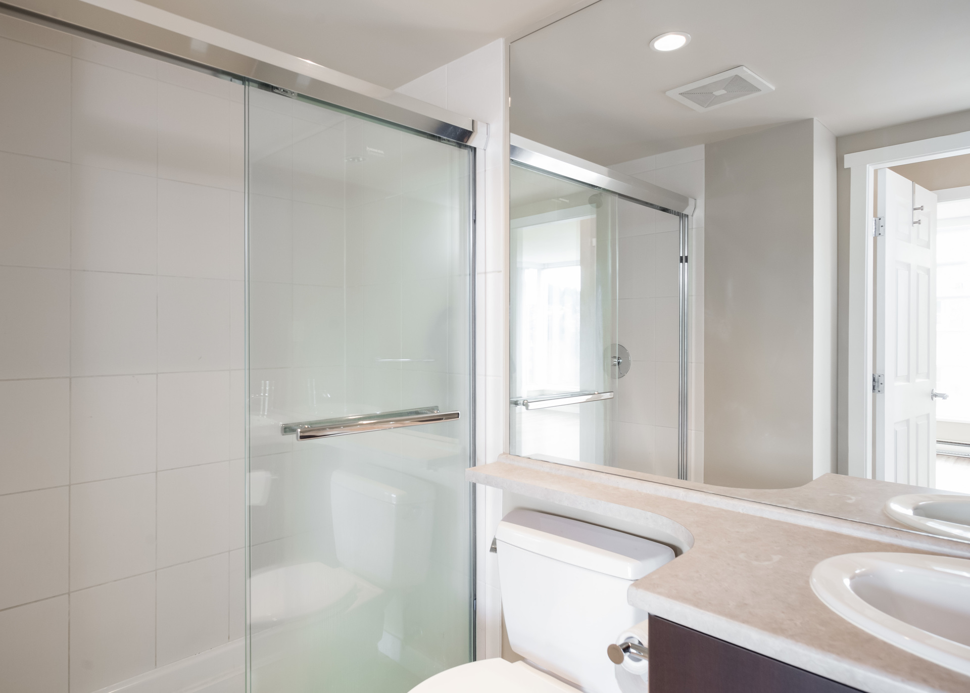 Master Ensuite at 1902 - 660 Nootka Way, Port Moody Centre, Port Moody