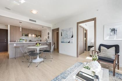13 at 611 - 68 Smithe Street, Yaletown, Vancouver West