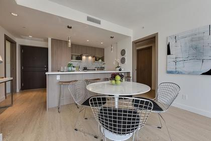 8 at 611 - 68 Smithe Street, Yaletown, Vancouver West