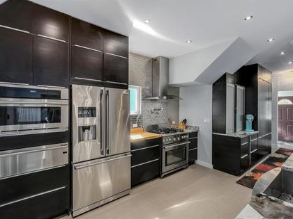 262096165-7 at 955 East 10th Avenue, Mount Pleasant VE, Vancouver East