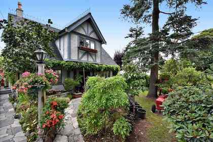 listing-pic-1 at 1697 E 22nd Avenue, Victoria VE, Vancouver East