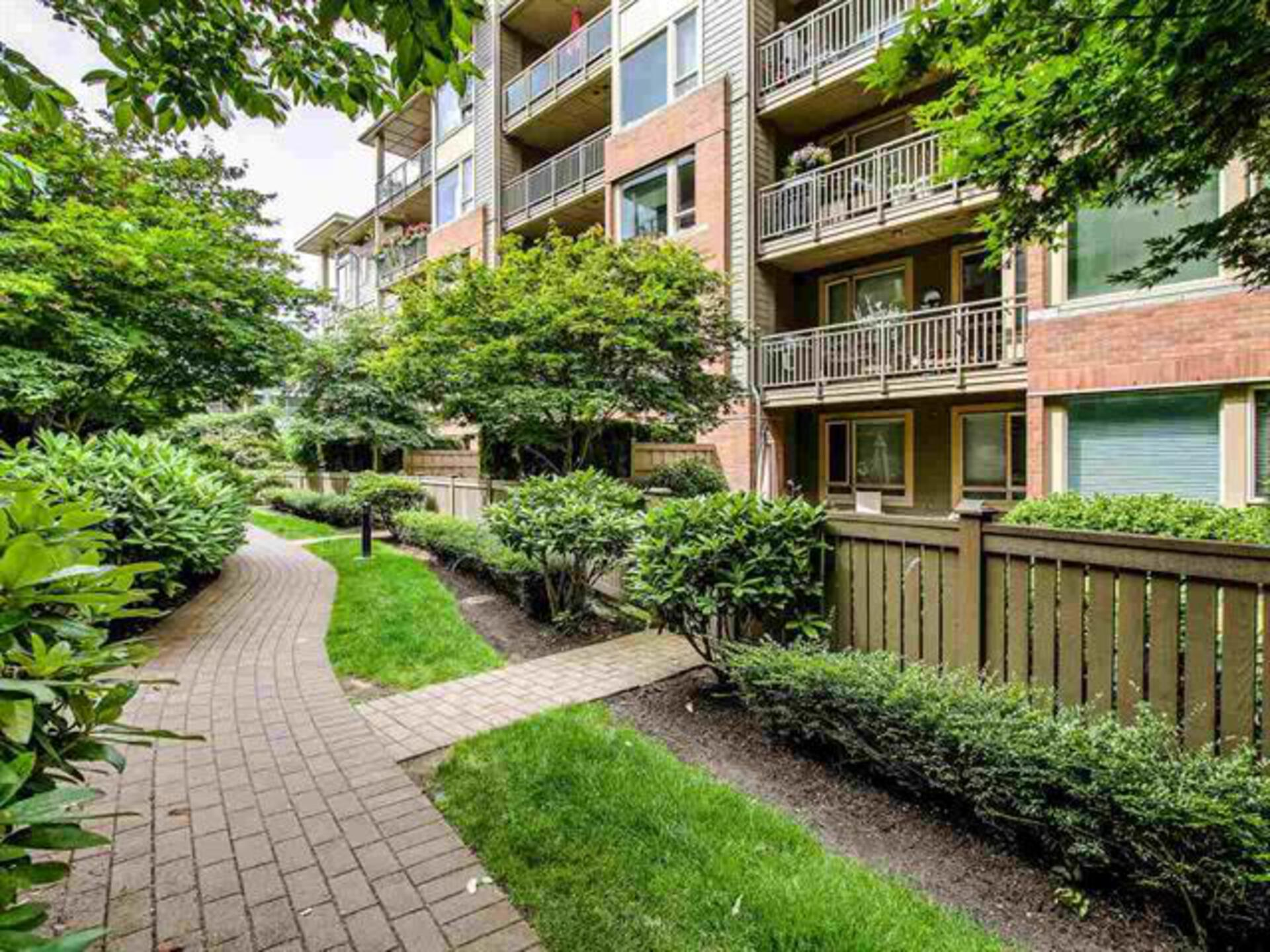 104 - 139 West 22nd Street, Central Lonsdale, North Vancouver