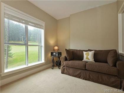 350956-single-family-s8avyn-o at 211 - 1400 Lynburne, Bear Mountain, Langford